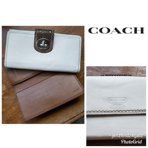 Coach Vintage Leather Bifold Wallet And Checkbook